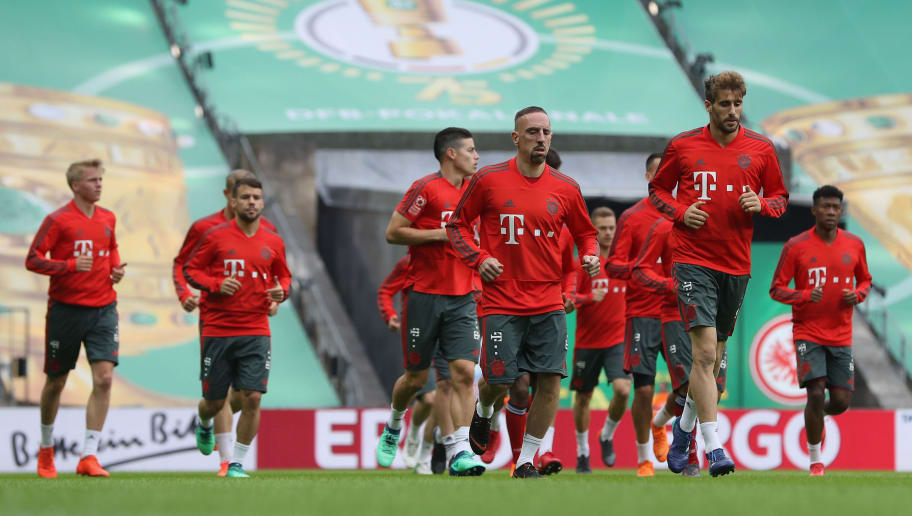 BERLIN, GERMANY - MAY 18:  Franck Ribery of Muenchen warms up with team mates during a training session one day ahead of the DFB Cup Final 2018 between Bayern Muenchen and Eintracht Frankfurt at Olympiastadion on May 18, 2018 in Berlin, Germany.  (Photo by Lars Baron/Bongarts/Getty Images)
