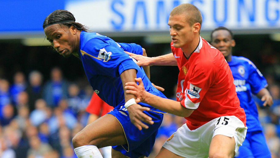 London, UNITED KINGDOM:  Didier Drogba (L) of Chelsea vies for the ball with Nemanja Vidic of Manchester United during a premiership match at Stamford Bridge in west London, 29 April 2006. AFP PHOTO / ODD ANDERSEN        Mobile and website use of domestic English football pictures subject to subscription of a license with Football Association Premier League (FAPL) tel : +44 207 298 1656. For newspapers where the football content of the printed and electronic versions are identical, no licence is necessary.  (Photo credit should read ODD ANDERSEN/AFP/Getty Images)
