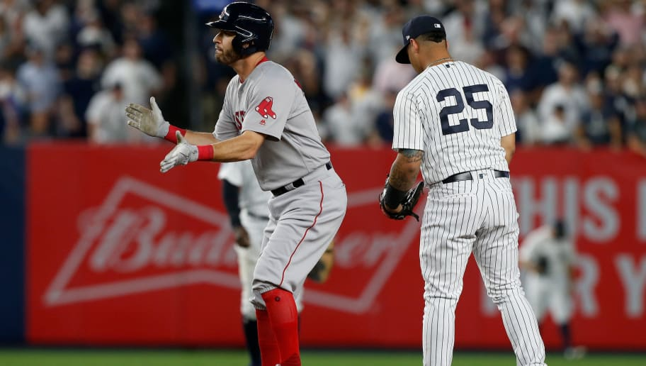 brand new d73c4 6224a Yankees and Red Sox to Both Wear Home Jerseys in London ...