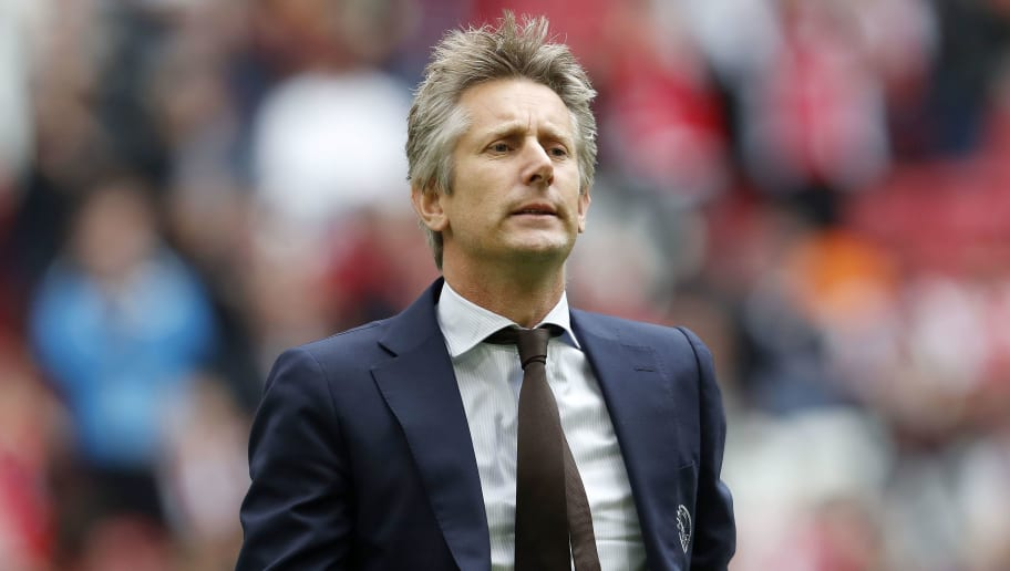 Edwin van der Sar Signs New Ajax Contract to End Speculation Over Man Utd Return
