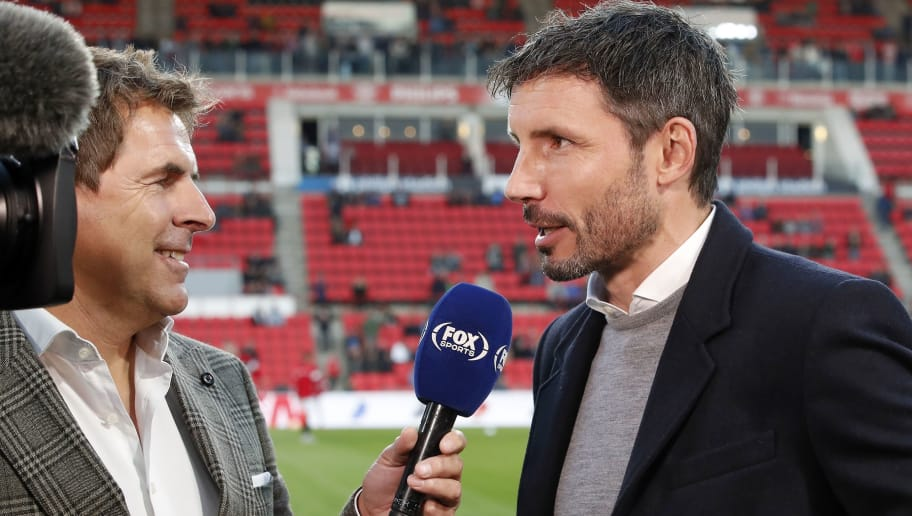 (L-R) FOX Sport interviewer Toine van Peperstraten, PSV coach Mark van Bommel during the Dutch Eredivisie match between PSV Eindhoven and FC Emmen at the Phillips stadium on October 20, 2018 in Eindhoven, The Netherlands(Photo by VI Images via Getty Images)