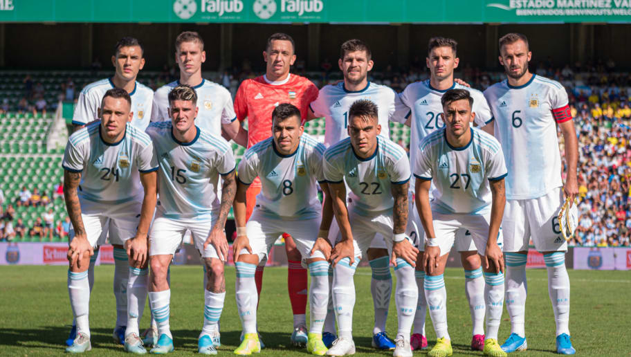 Players of Argentina pose for a team photo