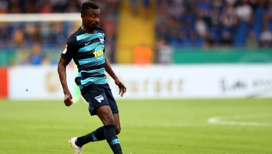 BRAUNSCHWEIG, GERMANY - AUGUST 20:  Salomon Kalou of Berlin runs with the ball during the DFB Cup first round match between Eintracht Braunschweig and Hertha BSC at Eintracht Stadion on August 20, 2018 in Braunschweig, Germany.  (Photo by Martin Rose/Bongarts/Getty Images)