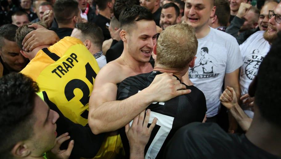 Deutschland freut sich mit der Eintracht!