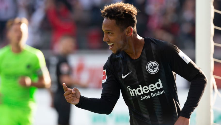 FRANKFURT AM MAIN, GERMANY - SEPTEMBER 30: Jonathan de Guzman of Frankfurt celebrates after scoring during the Bundesliga match between Eintracht Frankfurt and Hannover 96 at Commerzbank-Arena on September 30, 2018 in Frankfurt am Main, Germany. (Photo by Juergen Schwarz/Bongarts/Getty Images)