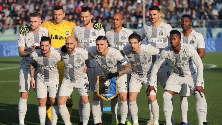 EMPOLI, ITALY - DECEMBER 29: FC Internazionale poses during the Serie A match between Empoli and FC Internazionale at Stadio Carlo Castellani on December 29, 2018 in Empoli, Italy.  (Photo by Gabriele Maltinti/Getty Images)