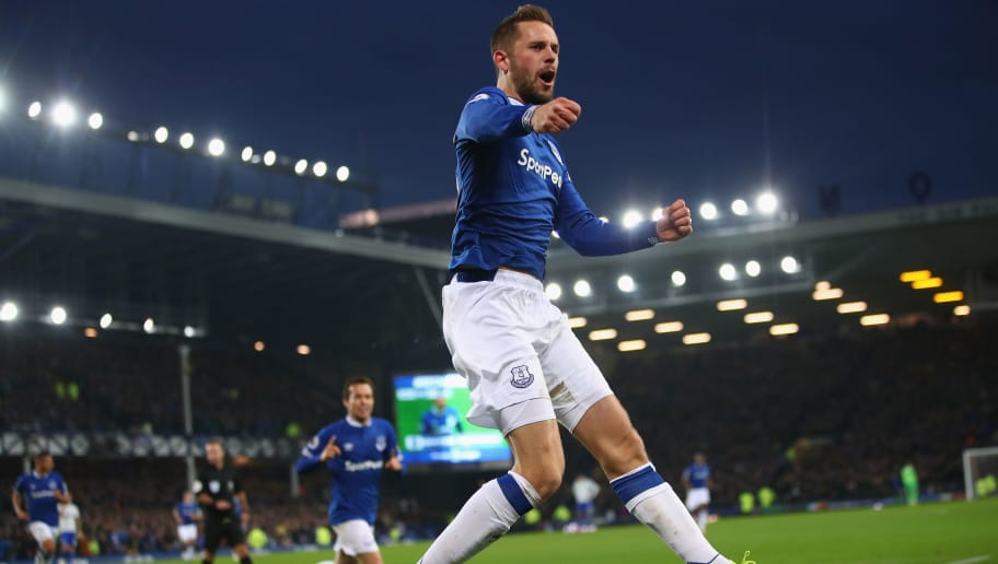 LIVERPOOL, ENGLAND - NOVEMBER 24:  Gylfi Sigurdsson of Everton celebrates scoring his teams winning goal during the Premier League match between Everton FC and Cardiff City at Goodison Park on November 24, 2018 in Liverpool, United Kingdom.  (Photo by Clive Brunskill/Getty Images)