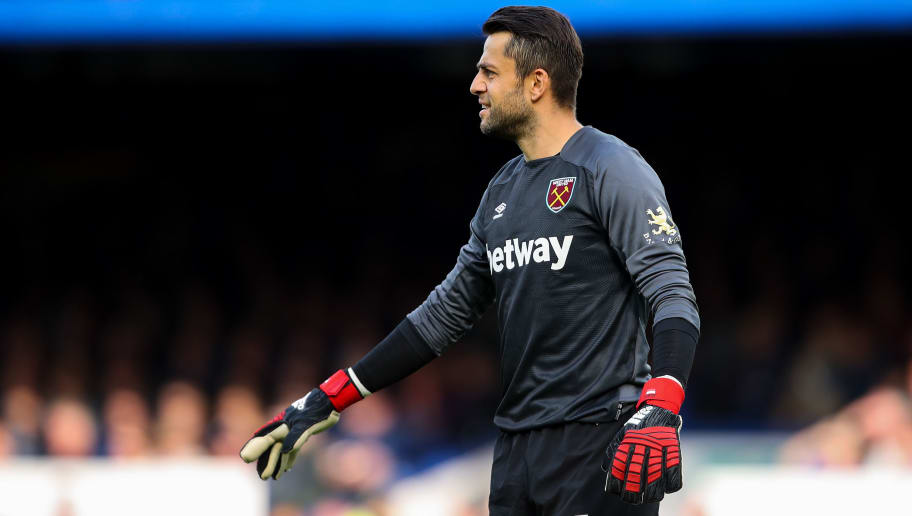LIVERPOOL, ENGLAND - SEPTEMBER 16: Lukasz Fabianski of West Ham United during the Premier League match between Everton FC and West Ham United at Goodison Park on September 16, 2018 in Liverpool, United Kingdom. (Photo by Robbie Jay Barratt - AMA/Getty Images)