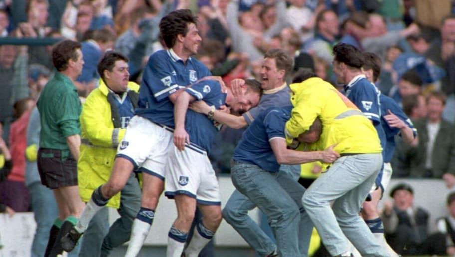 5 MAY 1994:  EVERTON's GARY ABLETT AND GRAHAM STUART, WHO HAD THE WINNING GOAL, CELEBRATE AFTER DEFEATING WIMBLEDON 3-2 AT GOODISON PARK, EVERTON. Mandatory Credit: Clive Brunskill/ALLSPORT