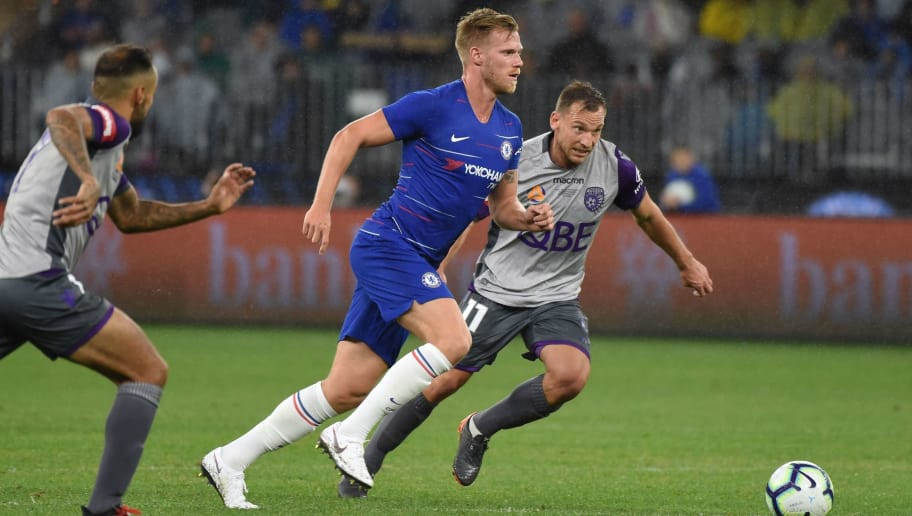 Chelsea's Tomas Kalas (C) runs the ball during the football friendly match against Perth Glory at Optus Stadium in Perth on July 23, 2018. (Photo by Greg Wood / AFP) / -- IMAGE RESTRICTED TO EDITORIAL USE - STRICTLY NO COMMERCIAL USE --        (Photo credit should read GREG WOOD/AFP/Getty Images)