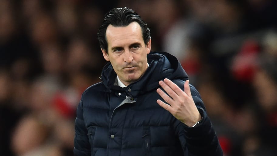 Arsenal's Spanish head coach Unai Emery shouts instructions to his players from the touchline during the English Premier League football match between Arsenal and Fulham at the Emirates Stadium in London on January 1, 2019. (Photo by Glyn KIRK / AFP) / RESTRICTED TO EDITORIAL USE. No use with unauthorized audio, video, data, fixture lists, club/league logos or 'live' services. Online in-match use limited to 120 images. An additional 40 images may be used in extra time. No video emulation. Social media in-match use limited to 120 images. An additional 40 images may be used in extra time. No use in betting publications, games or single club/league/player publications. /         (Photo credit should read GLYN KIRK/AFP/Getty Images)