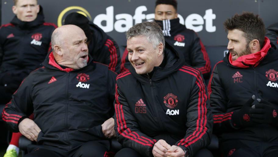 Manchester United Tawarkan Pilihan Untuk Mike Phelan dan Michael Carrick