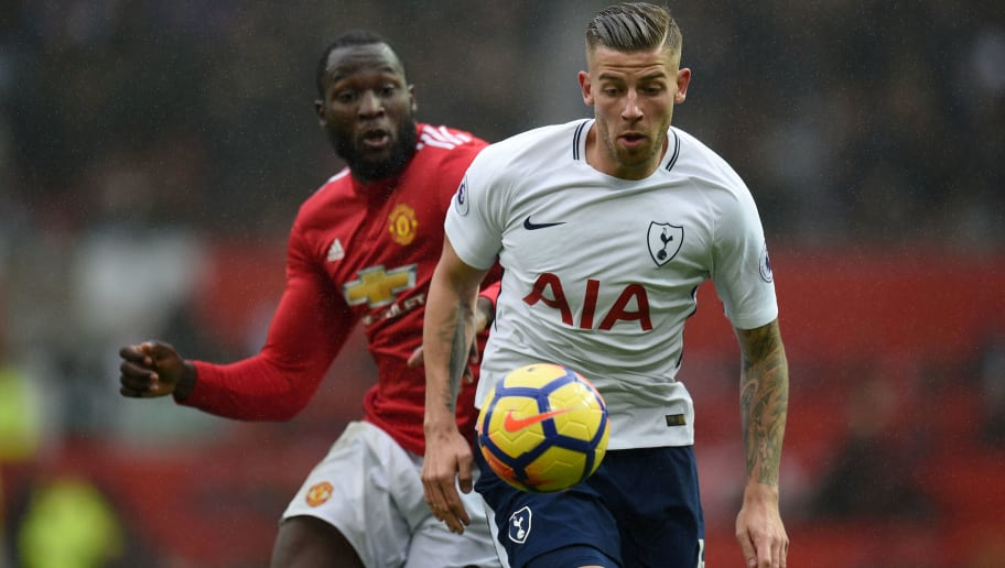 Manchester United's Belgian striker Romelu Lukaku (L) vies with Tottenham Hotspur's Belgian defender Toby Alderweireld during the English Premier League football match between Manchester United and Tottenham Hotspur at Old Trafford in Manchester, north west England, on October 28, 2017. / AFP PHOTO / Oli SCARFF / RESTRICTED TO EDITORIAL USE. No use with unauthorized audio, video, data, fixture lists, club/league logos or 'live' services. Online in-match use limited to 75 images, no video emulation. No use in betting, games or single club/league/player publications.  /         (Photo credit should read OLI SCARFF/AFP/Getty Images)