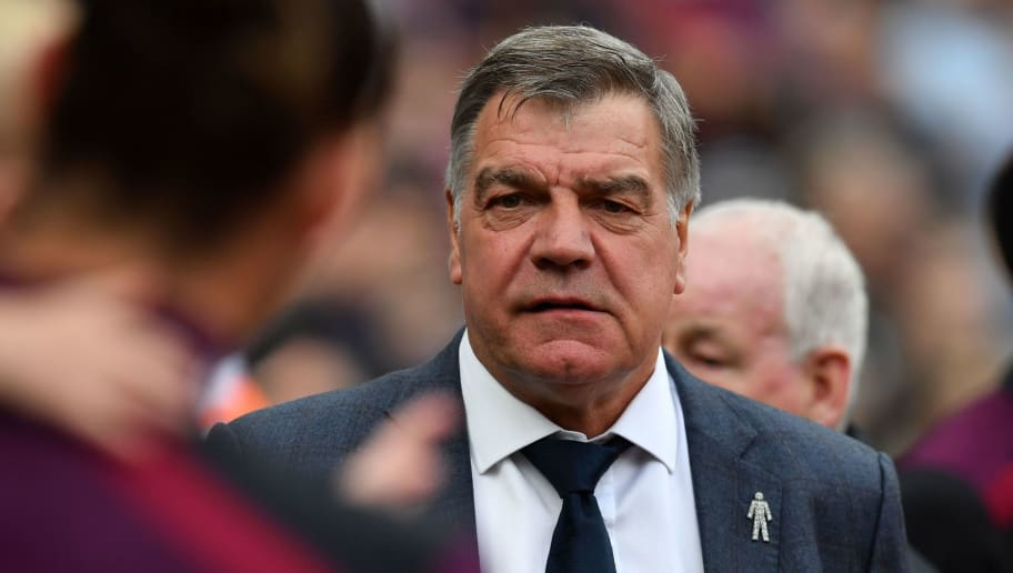 Everton's English manager Sam Allardyce arrives for the English Premier League football match between West Ham United and Everton at The London Stadium, in east London on May 13, 2018. (Photo by Ben STANSALL / AFP) / RESTRICTED TO EDITORIAL USE. No use with unauthorized audio, video, data, fixture lists, club/league logos or 'live' services. Online in-match use limited to 75 images, no video emulation. No use in betting, games or single club/league/player publications. /         (Photo credit should read BEN STANSALL/AFP/Getty Images)