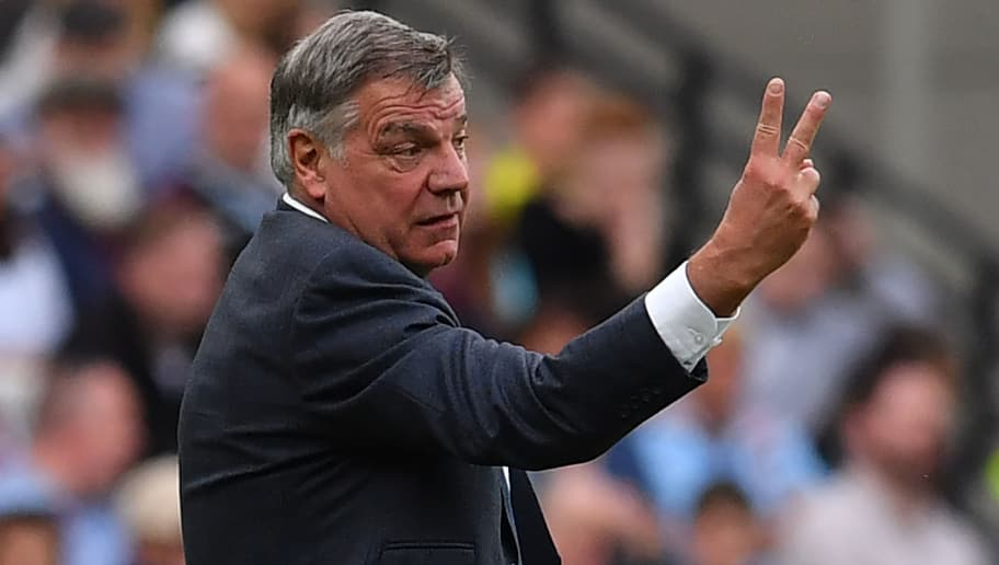 Everton's English manager Sam Allardyce gestures on the touchline during the English Premier League football match between West Ham United and Everton at The London Stadium, in east London on May 13, 2018. (Photo by Ben STANSALL / AFP) / RESTRICTED TO EDITORIAL USE. No use with unauthorized audio, video, data, fixture lists, club/league logos or 'live' services. Online in-match use limited to 75 images, no video emulation. No use in betting, games or single club/league/player publications. /         (Photo credit should read BEN STANSALL/AFP/Getty Images)