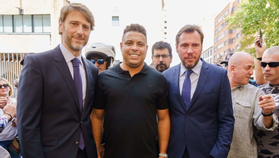 Brazilian football legend Ronaldo (C) poses with Valladolid mayor Oscar Puente (R) and Real Valladolid president Carlos Suarez as he tours Valladolid on September 3, 2018 after the former Brazil striker took control of Real Valladolid after buying 51 percent of the La Liga club's shares. (Photo by CESAR MANSO / AFP)        (Photo credit should read CESAR MANSO/AFP/Getty Images)