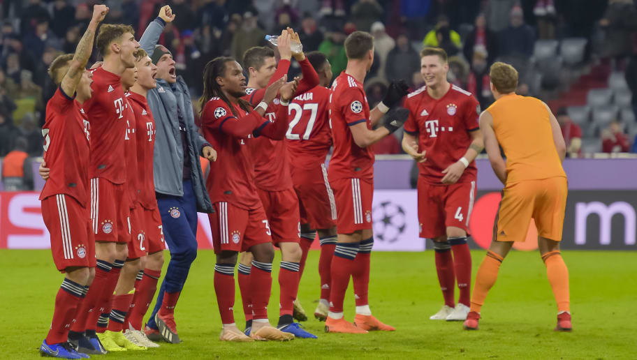 The players of Bayern Munich celebrate the victory after the UEFA Champions League Group E football match Bayern Munich vs Benfica Lisbon in Munich, southern Germany, on November 27, 2018. (Photo by GUENTER SCHIFFMANN / AFP)        (Photo credit should read GUENTER SCHIFFMANN/AFP/Getty Images)