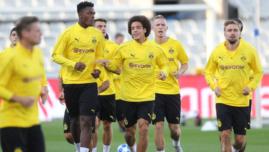 Dortmund's Belgian midfielder Axel Witsel (C) takes part in a training session of the German football club Borussia Dortmund, on September 17, 2018 at the Jan Breydel stadium in Brugge on the eve of the Champions League football match between Brugge KV and Borussia Dortmund. (Photo by BRUNO FAHY / BELGA / AFP) / Belgium OUT        (Photo credit should read BRUNO FAHY/AFP/Getty Images)