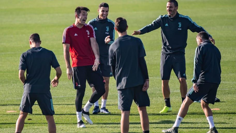 FOTO   Juve, le anticipazioni sul kit d'allenamento per la ...