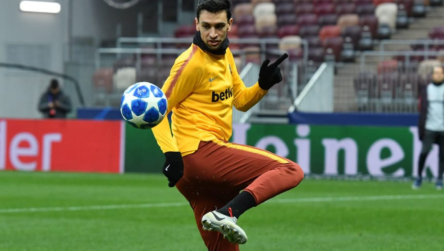 AS Roma Argentine midfielder Javier Pastore takes part in a training session at the Luzhniki Stadium in Moscow on November 6, 2018 on the eve of the UEFA Champions League group G football match between PFC CSKA Moscow and AS Roma. (Photo by Yuri KADOBNOV / AFP)        (Photo credit should read YURI KADOBNOV/AFP/Getty Images)
