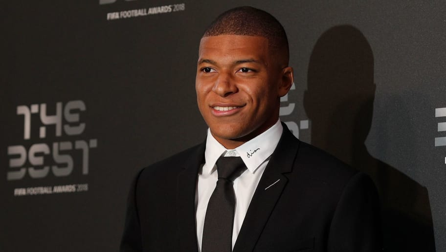 Paris Saint-Germain and France forward Kylian Mbappe arrives for The Best FIFA Football Awards ceremony, on September 24, 2018 in London. (Photo by Adrian DENNIS / AFP)        (Photo credit should read ADRIAN DENNIS/AFP/Getty Images)