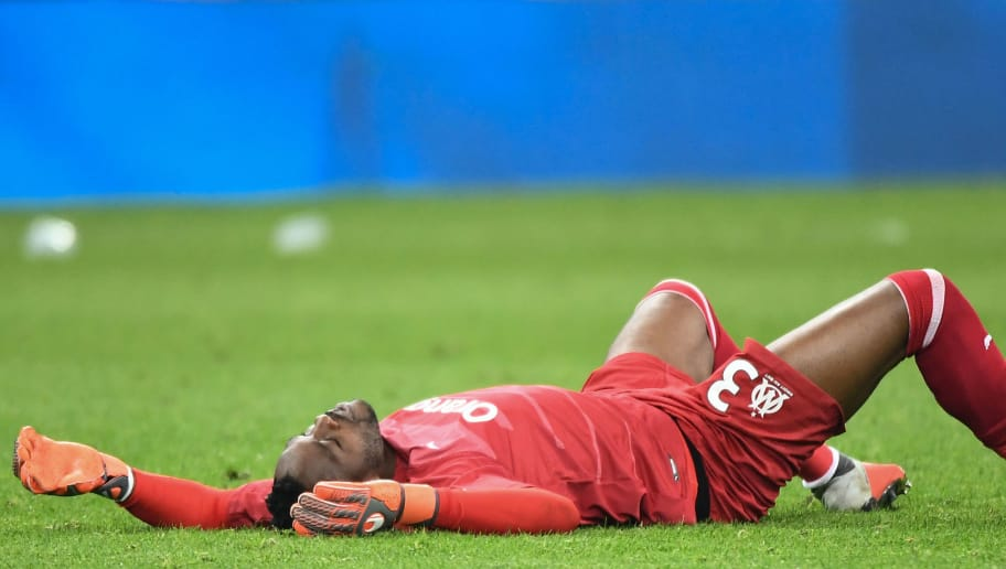 Marseille's French goalkeeper Steve Mandanda reacts at the end of the French L1 football match between Olympique de Marseille (OM) and Paris Saint-Germain (PSG) at the Velodrome stadium, in Marseille, on October 28, 2018. (Photo by Boris HORVAT / AFP)        (Photo credit should read BORIS HORVAT/AFP/Getty Images)