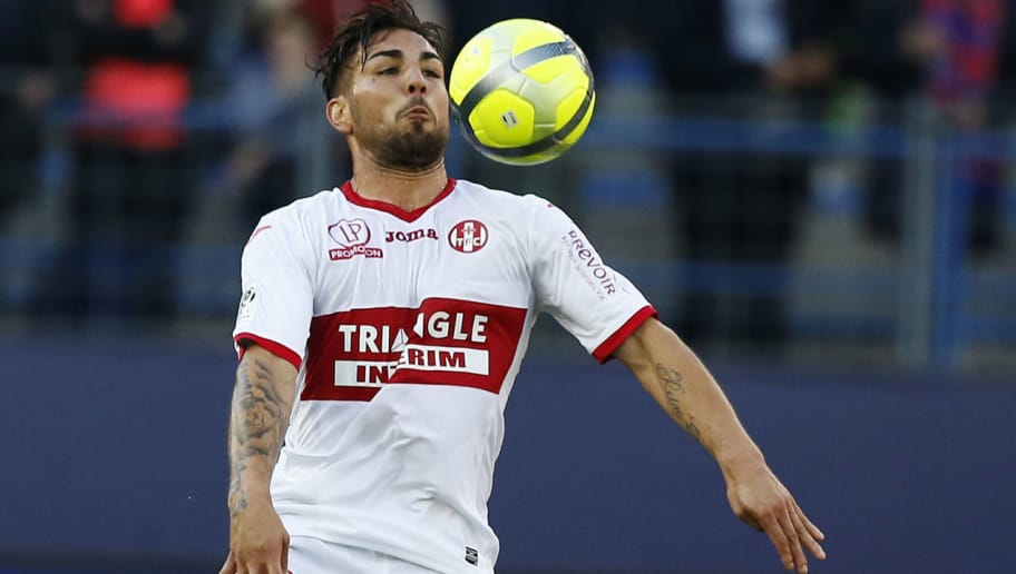 Toulouse's French  forward Andy Delort controls the ball during the French L1 football match between Caen (SMC) and Toulouse (TFC) on April 25, 2018, at the Michel d'Ornano stadium, in Caen, northwestern France. (Photo by CHARLY TRIBALLEAU / AFP)        (Photo credit should read CHARLY TRIBALLEAU/AFP/Getty Images)