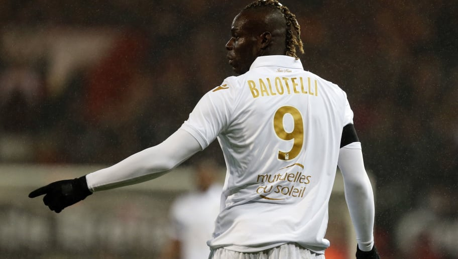 Nice's Italian forward Mario Balotelli gestures during the French L1 football match between Guingamp (EAG) and Nice (OGCN) on December 1, 2018, at the Roudourou stadium, in Guingamp, northwestern France. (Photo by CHARLY TRIBALLEAU / AFP)        (Photo credit should read CHARLY TRIBALLEAU/AFP/Getty Images)
