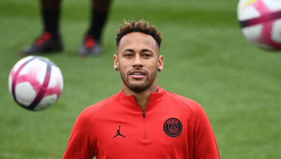 Paris Saint-Germain's Brazilian forward Neymar takes part in a training session at Saint-Germain-en-Laye, western Paris on September 13, 2018 on the eve of the French L1 football match between Paris Saint-Germain and Saint Etienne. (Photo by FRANCK FIFE / AFP)        (Photo credit should read FRANCK FIFE/AFP/Getty Images)