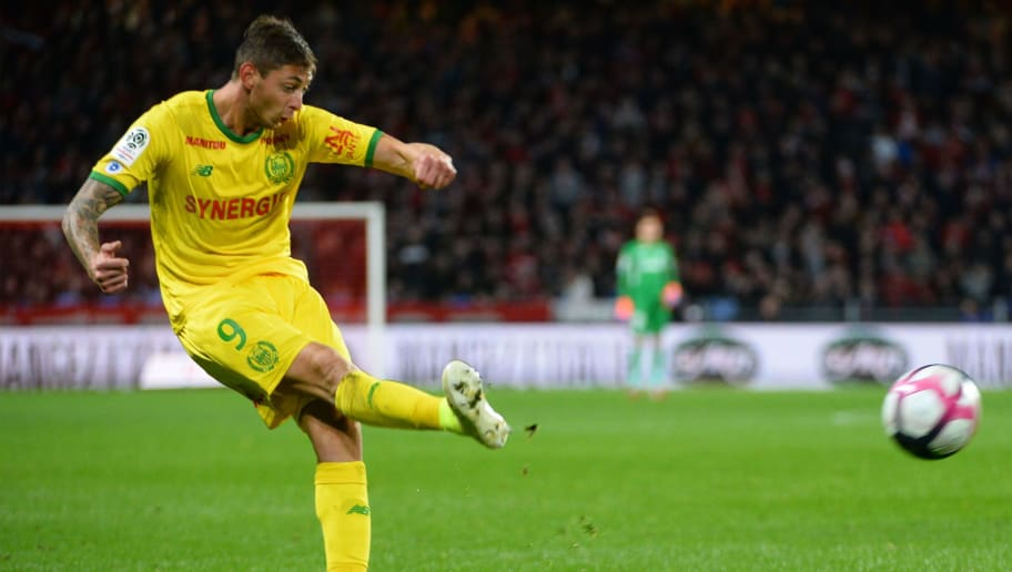 Nantes' Argentine forward Emiliano Sala kicks the ball during the French L1 Football match between Rennes (Stade Rennais FC) and Nantes (FC), on November 11, 2018, at the Roazhon Park, in Rennes, northwestern France. (Photo by Jean-François MONIER / AFP) (Photo credit should read JEAN-FRANCOIS MONIER/AFP/Getty Images)