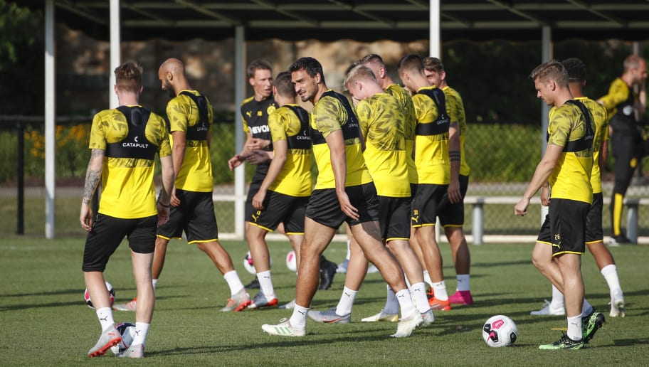 FBL-FRIENDLY-TRAINING-BORUSSIA