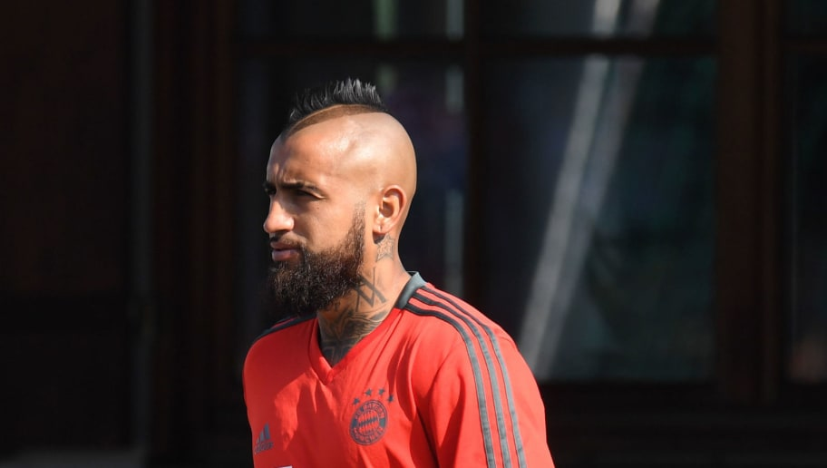 Bayern Munich's Chilean midfielder Arturo Vidal arrives for a trainings session of the German first division Bundesliga team FC Bayern Munich in the team trainings camp in Rottach-Egern, southern Germany, on August 3, 2018. (Photo by Christof STACHE / AFP)        (Photo credit should read CHRISTOF STACHE/AFP/Getty Images)