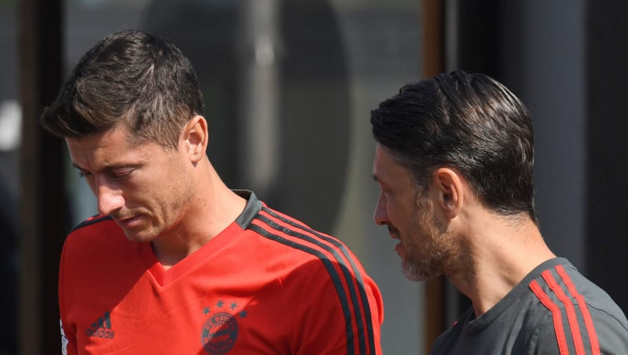 Bayern Munich's Polish striker Robert Lewandowski (L) speaks with Croatian headcoach Niko Kovac (R) prior a team trainings session of the German first division Bundesliga team FC Bayern Munich in the team trainings camp in Rottach-Egern, southern Germany, on August 3, 2018. (Photo by Christof STACHE / AFP)        (Photo credit should read CHRISTOF STACHE/AFP/Getty Images)