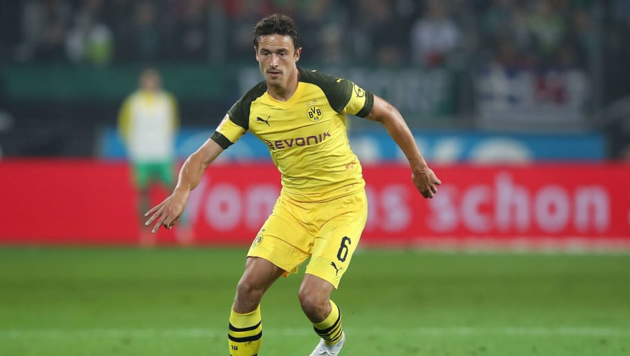 Dortmund's Danish midfielder Thomas Delaney plays the ball during the German first division Bundesliga football match Hannover 96 vs Borussia Dortmund in Hanover, northern Germany, on August 31, 2018. (Photo by Ronny Hartmann / AFP) / RESTRICTIONS: DFL REGULATIONS PROHIBIT ANY USE OF PHOTOGRAPHS AS IMAGE SEQUENCES AND/OR QUASI-VIDEO        (Photo credit should read RONNY HARTMANN/AFP/Getty Images)