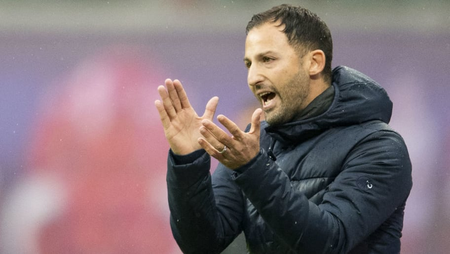 Schalke´s head coach Domenico Tedesco gestures during the German first division Bundesliga football match between RB Leipzig and Schalke 04 in Leipzig, eastern Germany on October 28, 2018. (Photo by ROBERT MICHAEL / AFP) / RESTRICTIONS: DFL REGULATIONS PROHIBIT ANY USE OF PHOTOGRAPHS AS IMAGE SEQUENCES AND/OR QUASI-VIDEO        (Photo credit should read ROBERT MICHAEL/AFP/Getty Images)