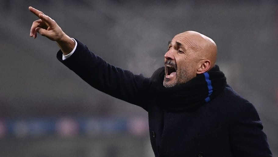 Inter Milan's head coach Luciano Spalletti shouts instructions during the Italian Serie A football match Inter Milan vs Napoli on December 26, 2018 at the San Siro stadium in Milan. (Photo by Marco BERTORELLO / AFP)        (Photo credit should read MARCO BERTORELLO/AFP/Getty Images)