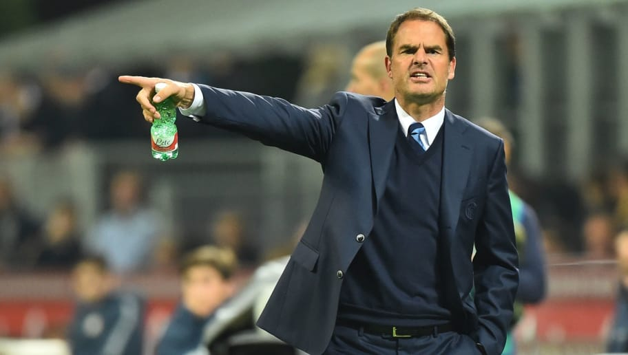 Inter Milan's coach from Netherland Frank De Boer gestures during the Italian Serie A football match Inter Milan vs Torino at 'San Siro' Stadium in Milan on October 26, 2016.   / AFP / GIUSEPPE CACACE        (Photo credit should read GIUSEPPE CACACE/AFP/Getty Images)