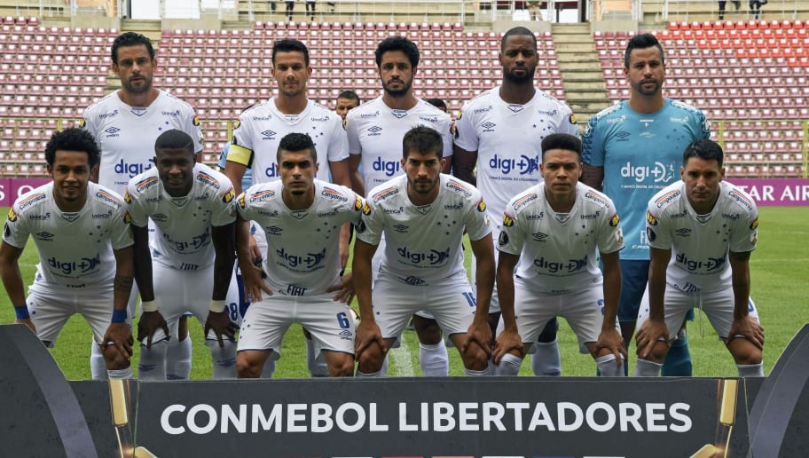 FBL-LIBERTADORES-LARA-CRUZEIRO-TEAM
