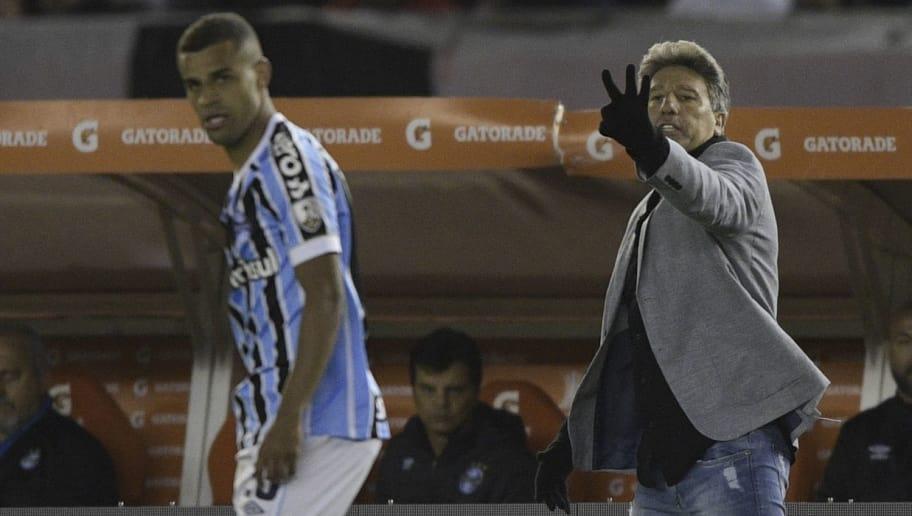 Brazil s Gremio coach Renato Gaucho (R) gestures during the Copa  Libertadores 2018 semifinals first b410adf4b29c5