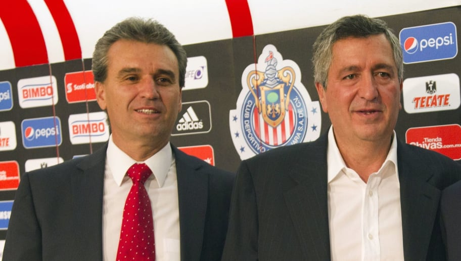 Néstor de la Torre junto a Jorge Vergara