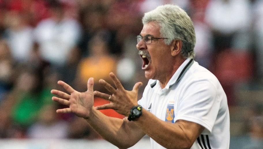 Tuca Ferretti niega haber insultado a un aficionado de Tigres en el partido ante América