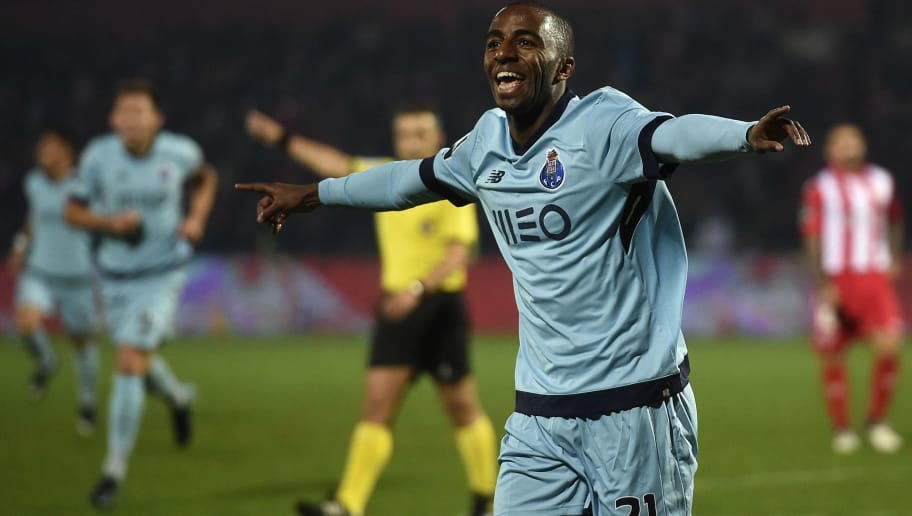 Porto's forward Ricardo Pereira celebrates after scoring a goal during the Portuguese league football match CD Aves vs FC Porto at the Aves stadium in Vila das Aves on November 25, 2017. / AFP PHOTO / FRANCISCO LEONG        (Photo credit should read FRANCISCO LEONG/AFP/Getty Images)