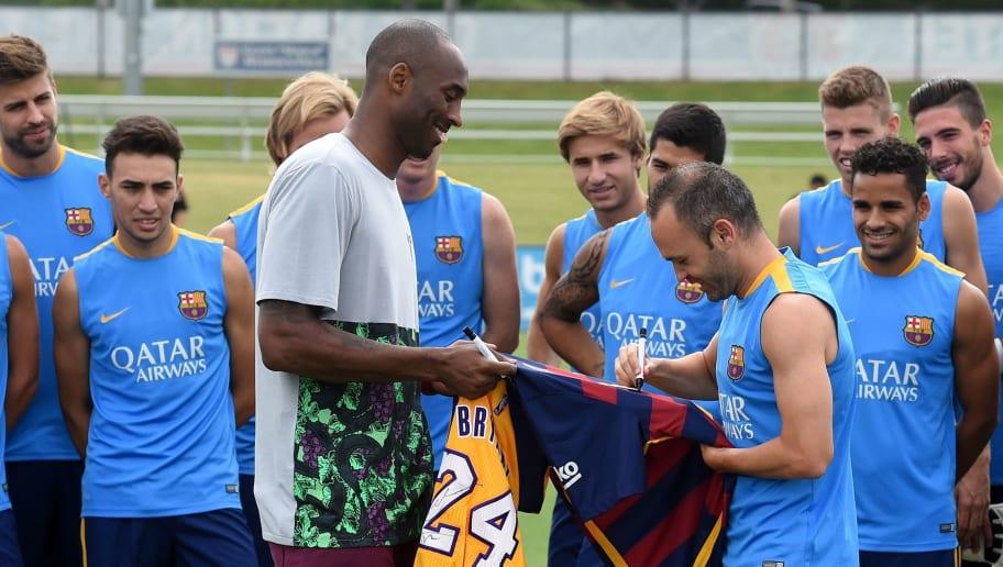 Lionel Messi, Cristiano Ronaldo & Neymar Pay Tribute to NBA Great Kobe Bryant