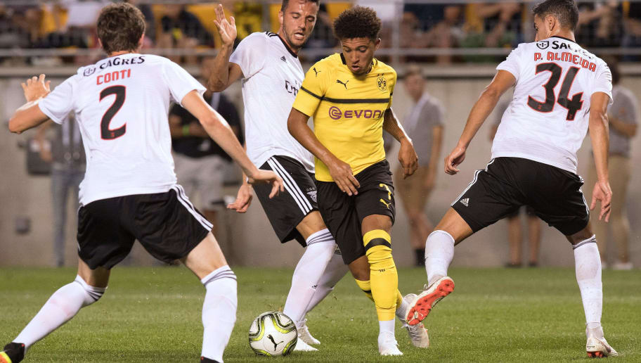 Borussia Dortmund's Jadon Sancho (C) fights for the ball during the 2018 International Champions Cup at Heinz Field in Pittsburgh, Pennsylvania, on July 25, 2018. (Photo by JIM WATSON / AFP)        (Photo credit should read JIM WATSON/AFP/Getty Images)