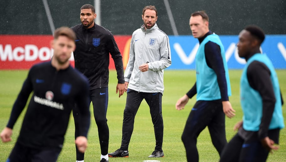 England's coach Gareth Southgate (C) takes part in a training session in Repino on July 4, 2018, ahead of their Russia 2018 World Cup quarter-final match against Sweden. (Photo by Paul ELLIS / AFP)        (Photo credit should read PAUL ELLIS/AFP/Getty Images)