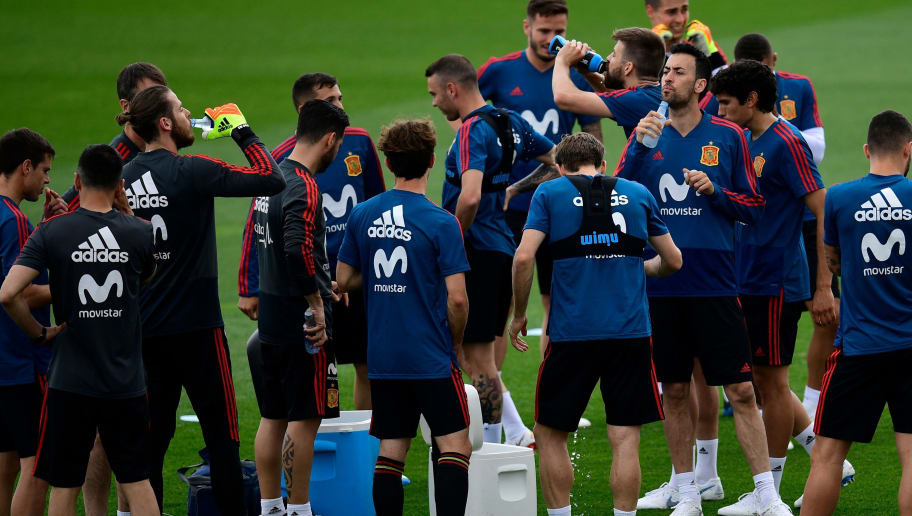 Spain's players attend a training session of Spain's football national team at the Spanish Football Federation's 'Ciudad del Futbol' in Las Rozas, near Madrid on May 29, 2018. (Photo by PIERRE-PHILIPPE MARCOU / AFP)        (Photo credit should read PIERRE-PHILIPPE MARCOU/AFP/Getty Images)