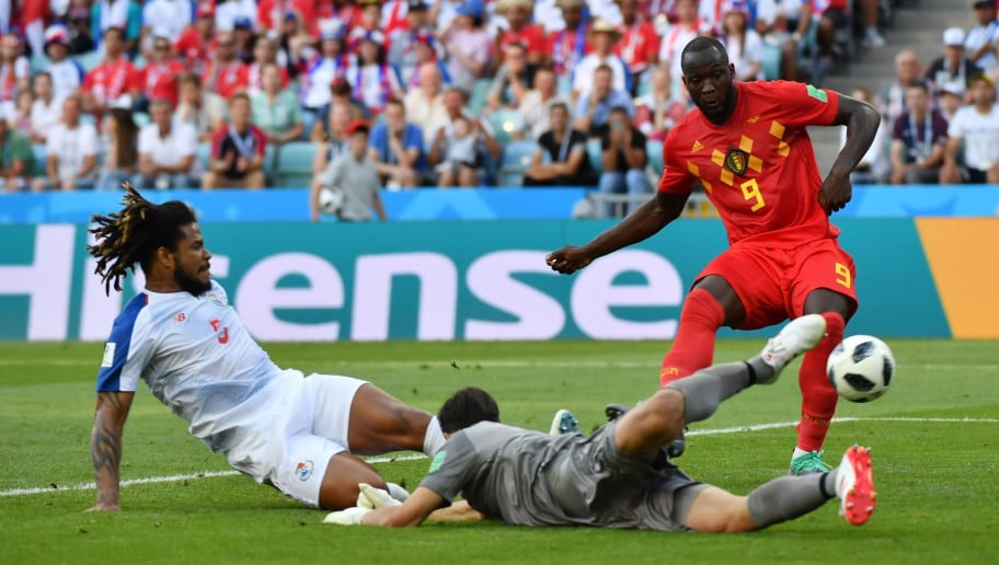 Belgium's forward Romelu Lukaku (R) vies for the ball with Panama's defender Roman Torres (L) and Panama's goalkeeper Jaime Penedo during the Russia 2018 World Cup Group G football match between Belgium and Panama at the Fisht Stadium in Sochi on June 18, 2018. (Photo by Nelson Almeida / AFP) / RESTRICTED TO EDITORIAL USE - NO MOBILE PUSH ALERTS/DOWNLOADS        (Photo credit should read NELSON ALMEIDA/AFP/Getty Images)