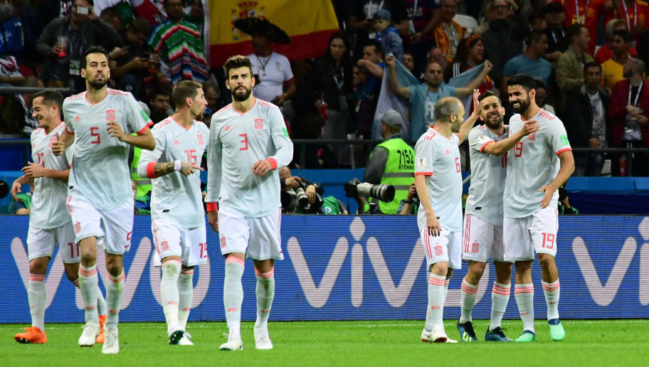 Spain's forward Diego Costa (R) celebrates his goal with teammates during the Russia 2018 World Cup Group B football match between Iran and Spain at the Kazan Arena in Kazan on June 20, 2018. (Photo by Luis Acosta / AFP) / RESTRICTED TO EDITORIAL USE - NO MOBILE PUSH ALERTS/DOWNLOADS        (Photo credit should read LUIS ACOSTA/AFP/Getty Images)