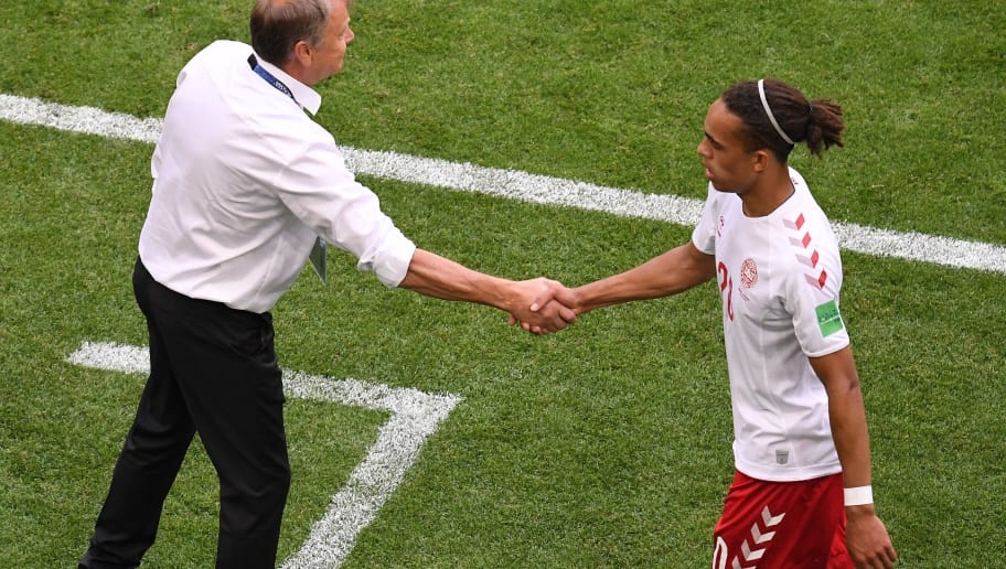 Denmark's forward Yussuf Poulsen (R)shakes hands with Denmark's coach Age Hareide as he walks off the pitch  during the Russia 2018 World Cup Group C football match between Denmark and Australia at the Samara Arena in Samara on June 21, 2018. (Photo by EMMANUEL DUNAND / AFP) / RESTRICTED TO EDITORIAL USE - NO MOBILE PUSH ALERTS/DOWNLOADS        (Photo credit should read EMMANUEL DUNAND/AFP/Getty Images)