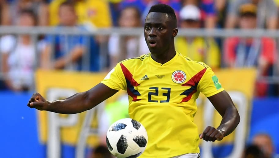 Colombia's defender Davinson Sanchez controls the ball during the Russia 2018 World Cup Group H football match between Senegal and Colombia at the Samara Arena in Samara on June 28, 2018. (Photo by Manan VATSYAYANA / AFP) / RESTRICTED TO EDITORIAL USE - NO MOBILE PUSH ALERTS/DOWNLOADS        (Photo credit should read MANAN VATSYAYANA/AFP/Getty Images)